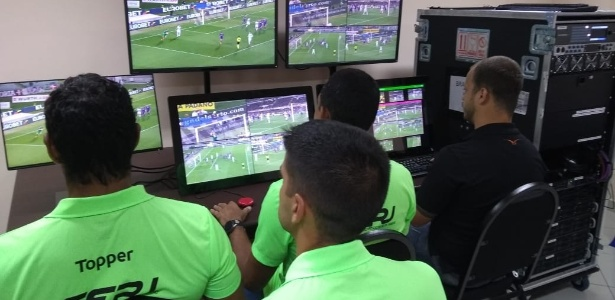 ferj-inaugurou-sala-de-treinamento-de-var-para-os-arbitros-do-carioca-1547726805466_615x300